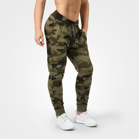 BetterBodies Jogger Sweatpant - Green Camo Detail 1